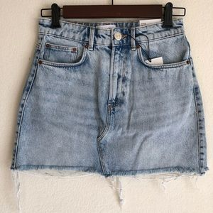 NWT Zara hi-rise frayed denim skirt, M